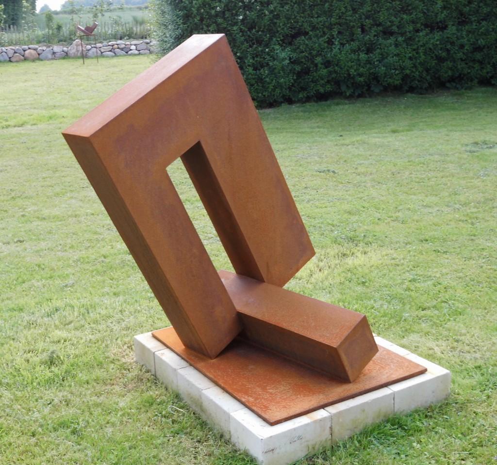 Schwerpunkt / 2013, Cortenstahl, Höhe: 110 cm