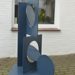 Stand by me /2013, Stahl - farbig, Höhe: 153 cm