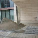 """""""Look alive II"""", Edelstahl und Granit, Höhe: 220 cm, Neues Rathaus Gießen"""