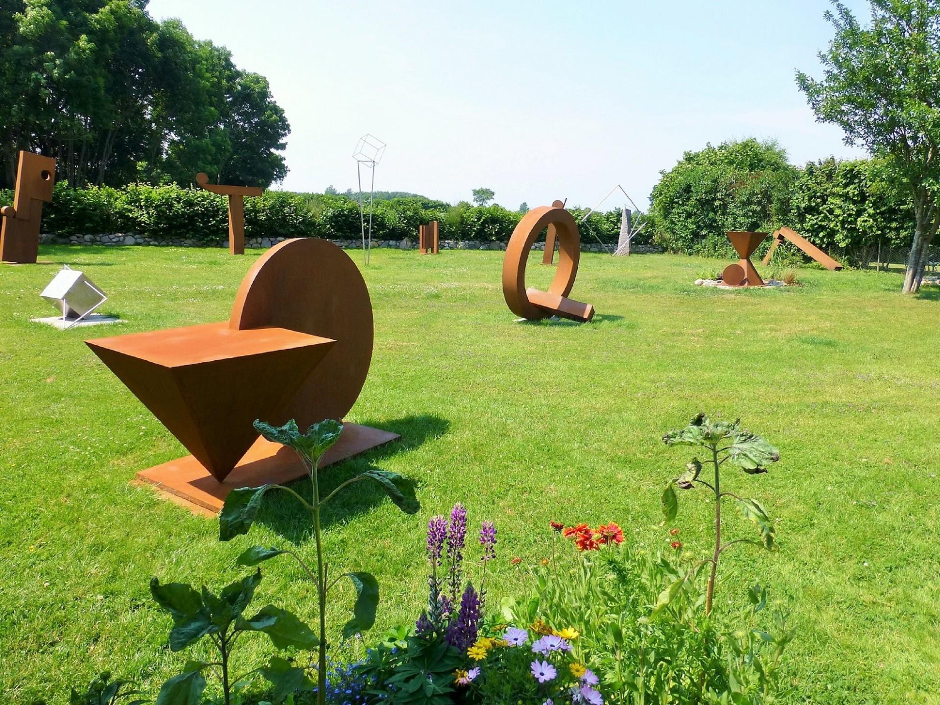 kunstraum skulpturengarten kunstraum skulpturengarten. Black Bedroom Furniture Sets. Home Design Ideas