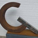 Unterbrochener Kreis /2016 Corten-Stahl u. Granit Höhe: 65 cm