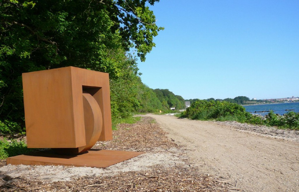 "Going to the beach"", 2010, Cortenstahl, 165 x 200 x165 cm, Sculpture by the sea, Aarhus - DK"