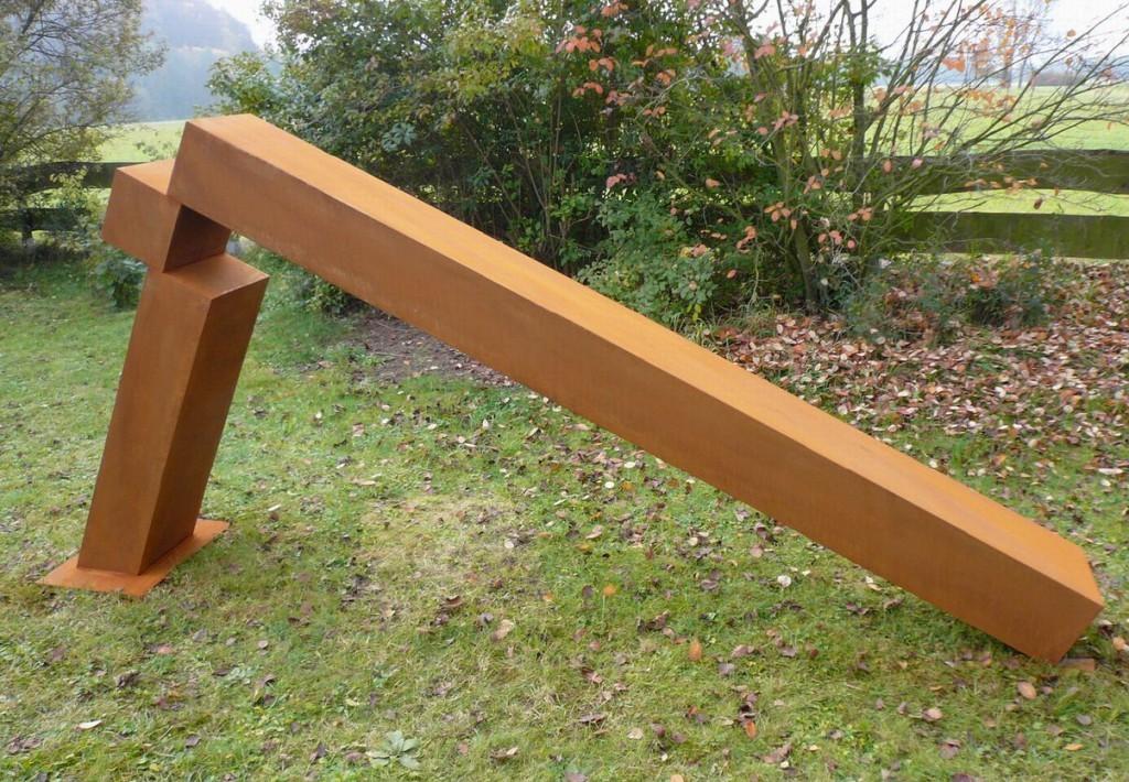 """""""Rechter Winkel"""", 2011, Cortenstahl, Höhe: 135 cm"""